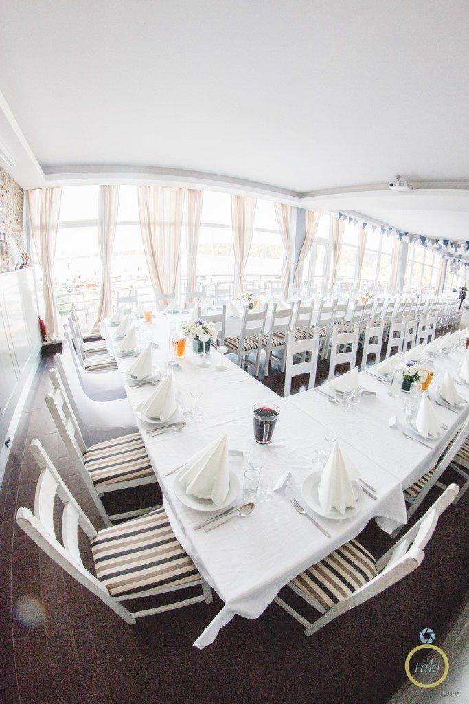 Jasne zdjęcie sali weselnej fotografia ślubna poznań
