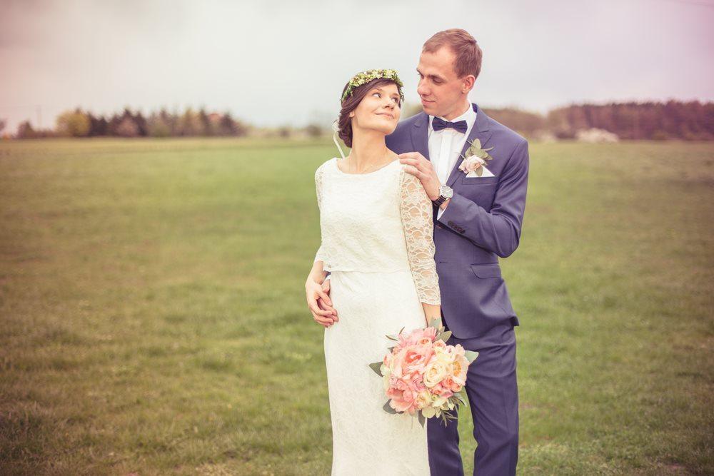 sesja plenerowa w dniu wesela poznań