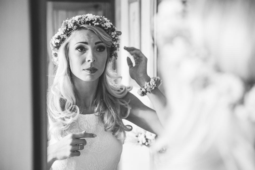 Przygotowania Panny Młodej fotografia ślubna Gniezno