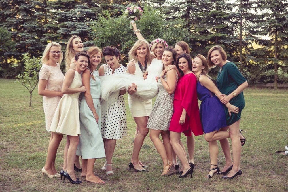 Koleżanki panny młodej sesja w dniu ślubu Krotoszyn