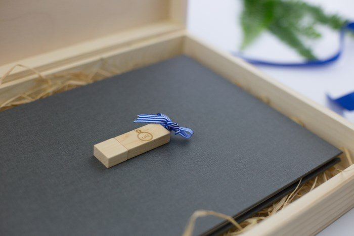 Pendrive dodany do pakietu ślubnego krukbook