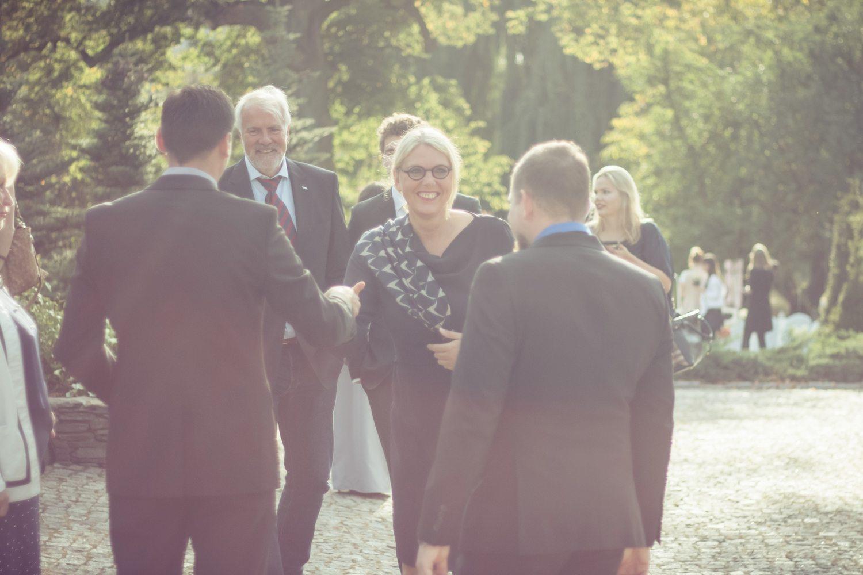 Ceremonia ślubna w plenerze Września Pałac Opieszyn wesele