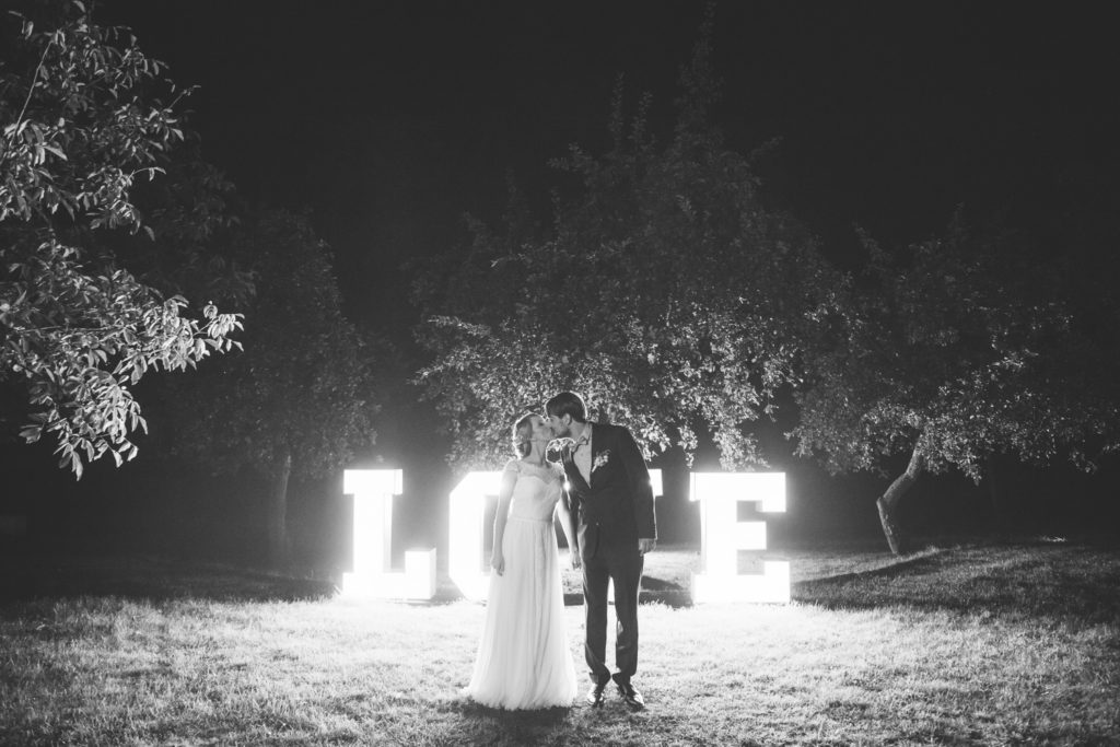 pałac opieszyn wrzesnia wesele świecący napis love