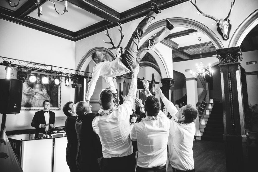 oczepiny pana młodego pałac wąsowo fotograf ślub poznań lokal