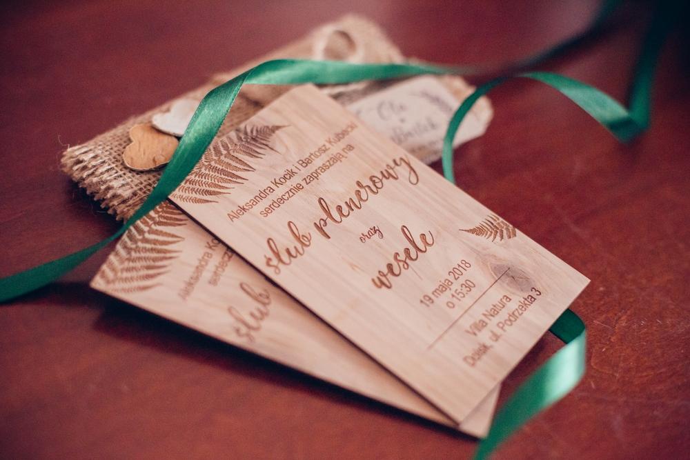 Frezowane zaproszenia na ślub Fotografia ślubna Krotoszyn